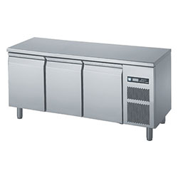 Polaris FTA BT 03 Underbench Freezer 375L freezer with 3 doors and no s/steel top, temp range of -15 to -20.