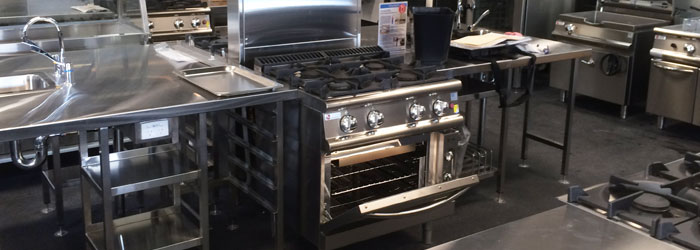 7PCF/GE8023: Four burner gas range with electric oven. Features electric ignition for burners for a safer learning environment
