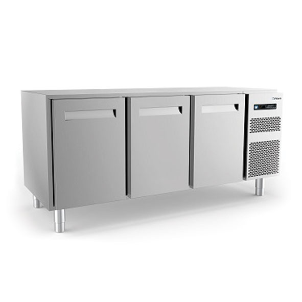 Polaris refrigerated counter cabinet three door kst18 03